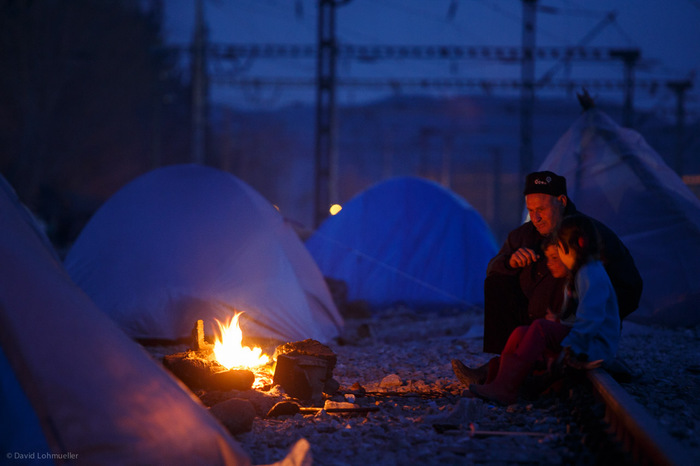 Lighten up ‎Idomeni