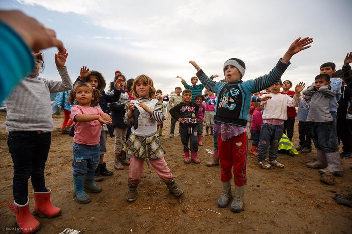 Idomeni Dancing